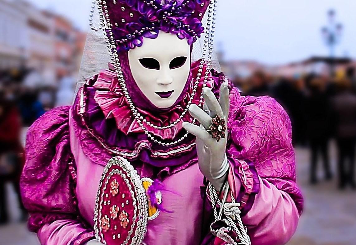 karnawal - Karnawałowe szaleństwa, te bliższe i te dalsze.
