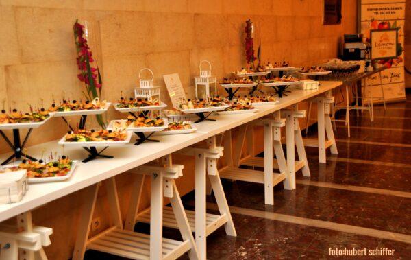 """stoły cateringowe design 600x379 - Stół gastronomiczny 150x 75  ,,Design"""""""