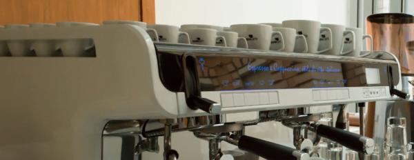 ekspres do kawy wynajem 600x232 - Ekspres ciśnieniowy FAEMA TEOREMA na  2 Kolby