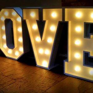 """Napis na wesele ślub ,, LOVE """" różne natężenie światła"""
