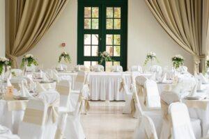 Jaki układ stołów na wesele wybrać?