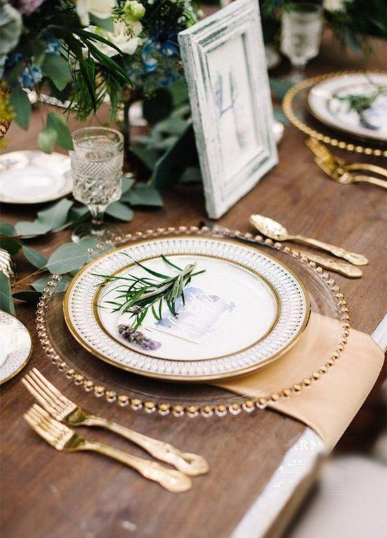 przezroczyst pod talerz - Przezroczysty szklany pod talerz  ze złotymi kulkami 32 cm