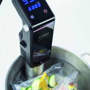 Urządzenie do gotowania próżniowego sous vide.
