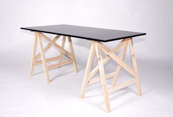 czarny stół
