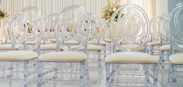 przezroczyste krzesla glamur