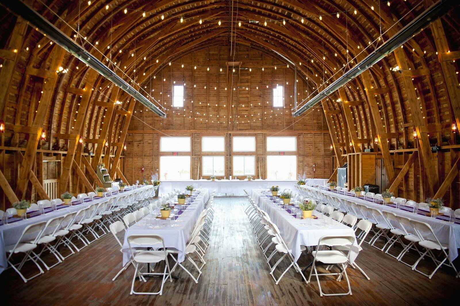 Jak ustawić meble na weselu tak, aby było więcej miejsca?