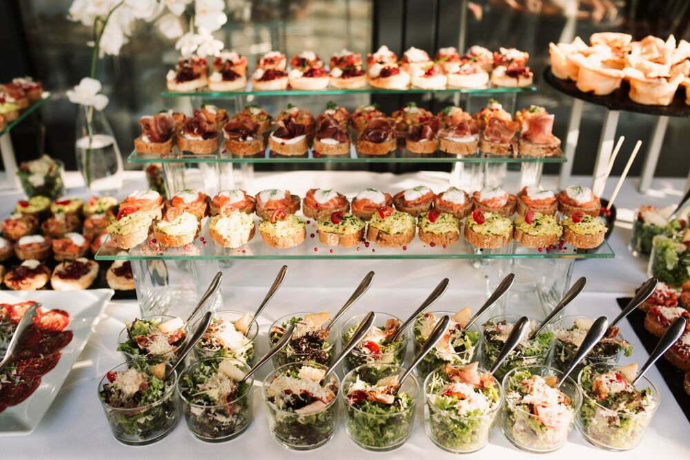 Sposoby prezentacji potraw i przekąsek na imprezach