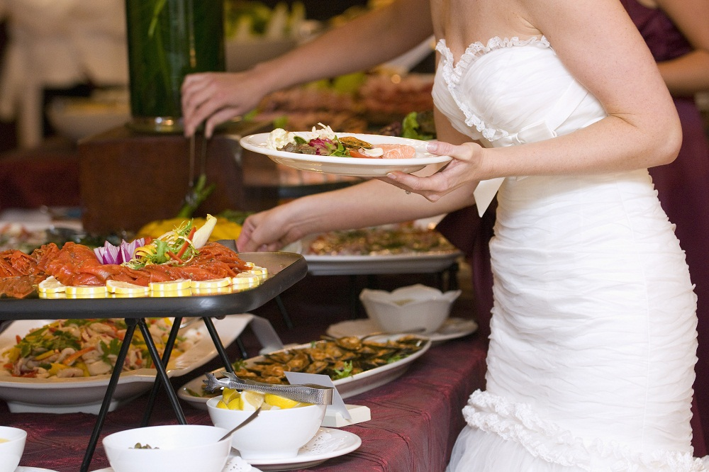 Jak zorganizować weselny bufet?