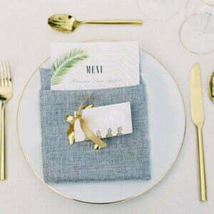 Biały pod talerz ze złotym rantem 31cm